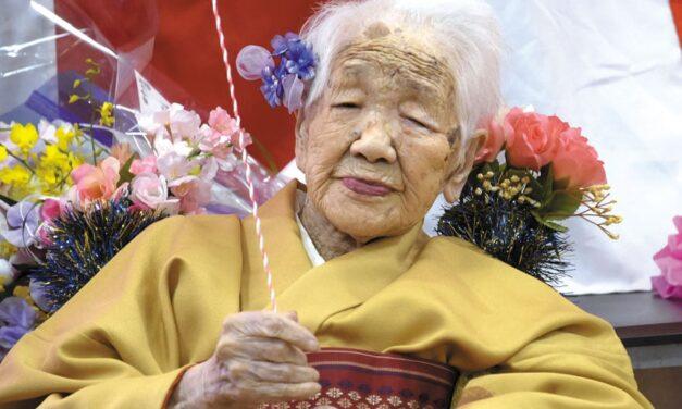 Con 118 años, la persona viva más vieja del mundo llevará la llama olímpica en Japón