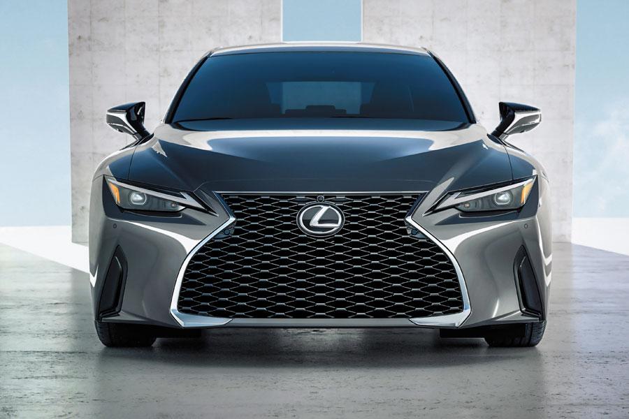 Lexus ES 2021 un poco de maquillaje y más tecnología