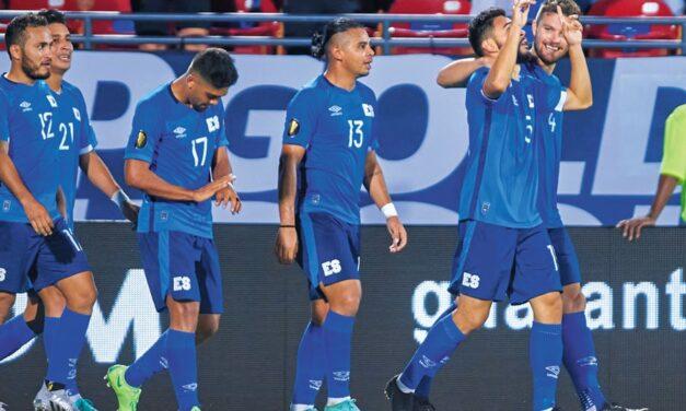 El Salvador le gana a Guatemala y lidera el Grupo A